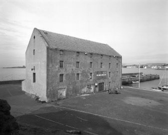 granary-elie-harbour-canmore-sc00703306