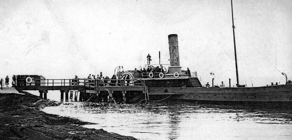 paddle-steamer-wemyss-castle-at-elie-pier-c1891-built-in-1872-for-nb-steam-pkt-co-clyde-services-copyright-sandy-stevenson-tour-scotland